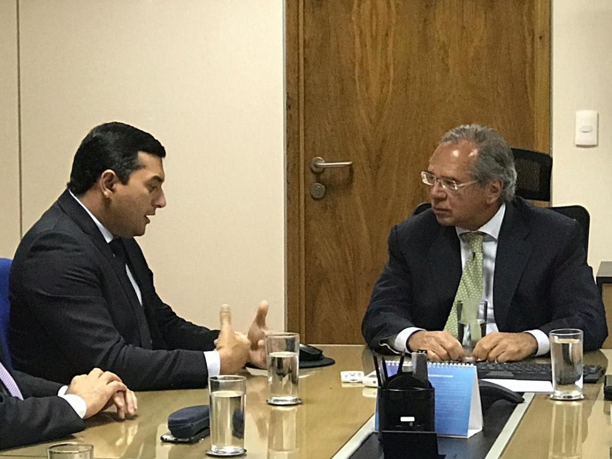 Paulo Guedes mantém decreto que prejudica o AM, mas garante visitar boi-bumbá em Parintins